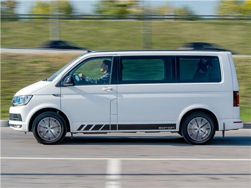 Volkswagen Caravelle 2015 вид сбоку