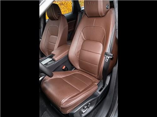 Jaguar F-PACE 2018 передние кресла