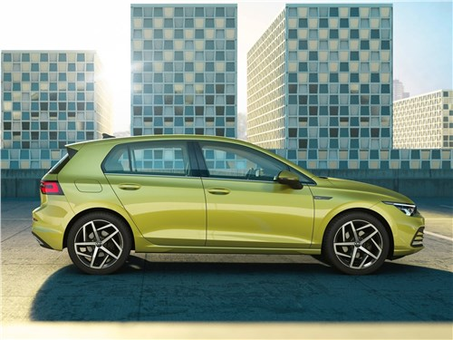 Три лица Golf - Volkswagen Golf 2020 вид сбоку