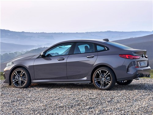 BMW 2-Series Gran Coupe 2020 вид сбоку