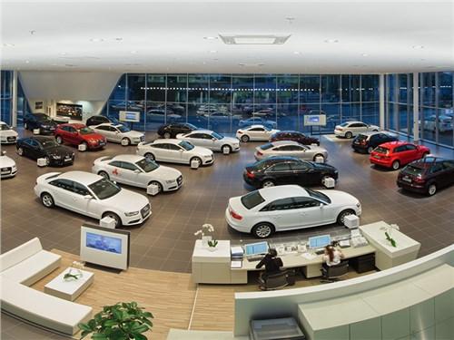 Россияне стали больше покупать дорогие автомобили. В кредит