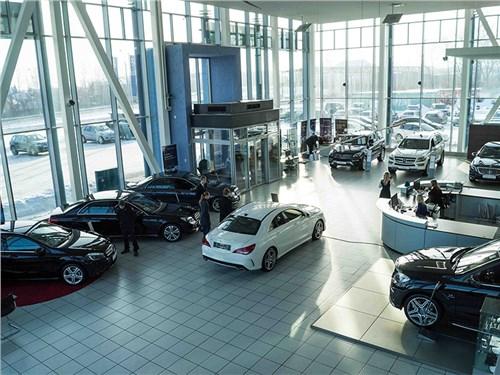 Автосалоны не торопятся ставить автомобили на учет