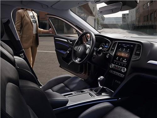 Бестселлеры (Nissan Tiida, Peugeot 308, Renault Megane, Seat Leon, Subaru Impreza, Toyota Auris) Megane - Renault Megane 2020 салон