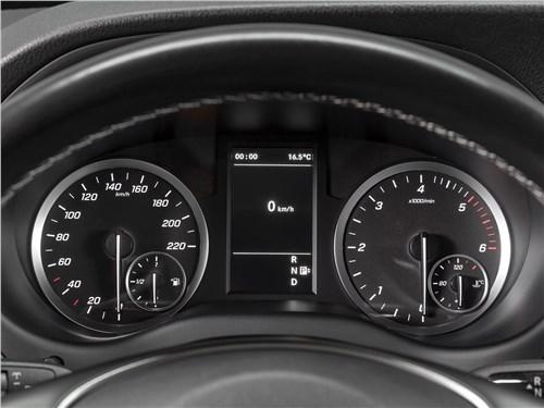 Mercedes-Benz Vito 2020 приборная панель