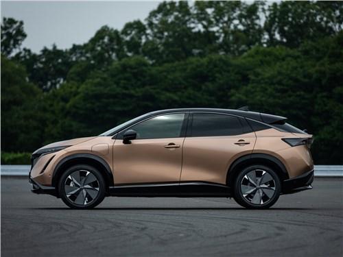 Nissan Ariya (2021) вид сбоку