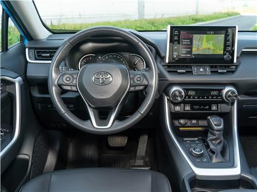 Toyota RAV4 2019 салон