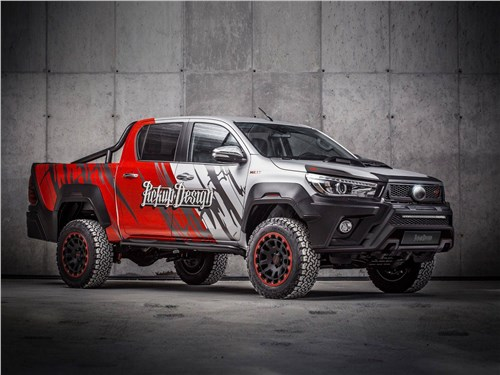 Carlex Design | Toyota Hilux вид спереди