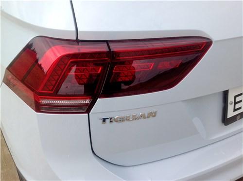 Volkswagen Tiguan 2017 задний фонарь