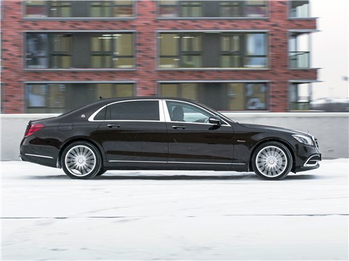 Mercedes-Maybach S 450 4Matic 2018 вид сбоку