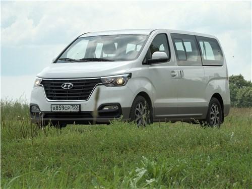 Hyundai Н-1 2018 вид сбоку