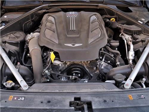 Hyundai Genesis G90 2019 моторный отсек
