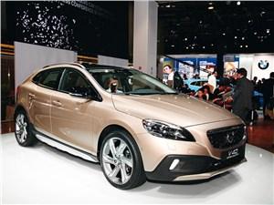 Серийная новинка Volvo V40 Cross Country позиционируется как кроссовер