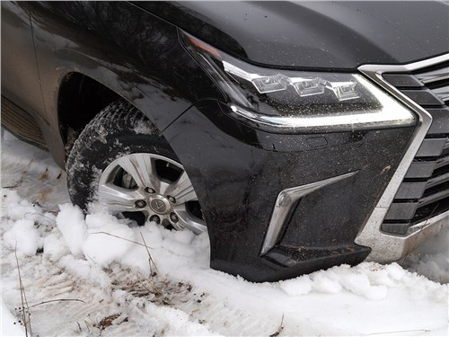Lexus LX 2016 переднее колесо