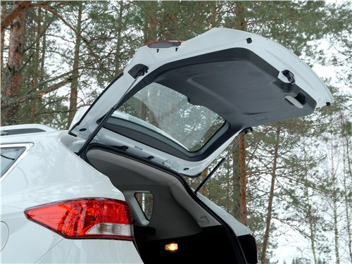 Dongfeng AX7 2015 дверь багажника