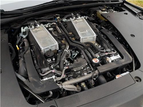 Lexus LS 500 2018 моторный отсек