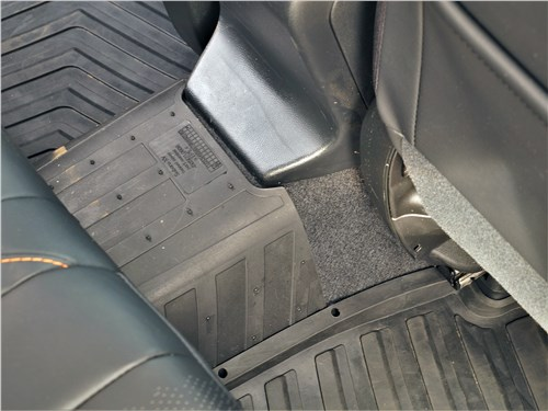 Subaru XV (2022) второй ряд