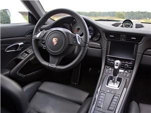 Предпросмотр porsche 911 carrera 4s 2012 водительское место
