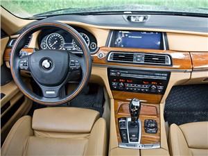 BMW 7 series 2013 водительское место