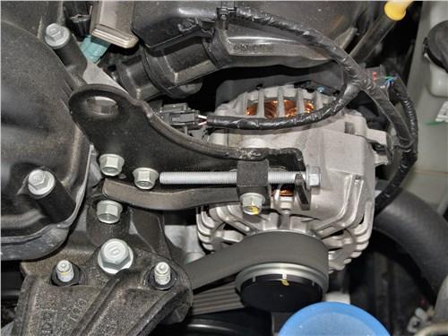 Kia Rio X (2020) моторный отсек