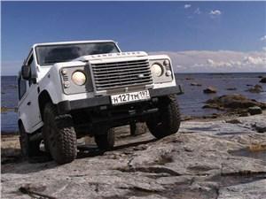 Предпросмотр land rover defender 90 вид спереди