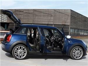 Предпросмотр mini cooper 5-door 2014 вид сбоку открытые двери