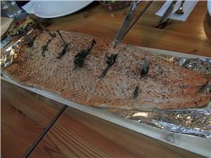 Копченый лосось – один из местных деликатесов