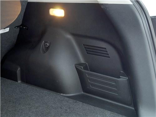 Dongfeng AX7 2015 багажное отделение