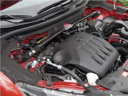 Mitsubishi Eclipse Cross 2018 моторный отсек