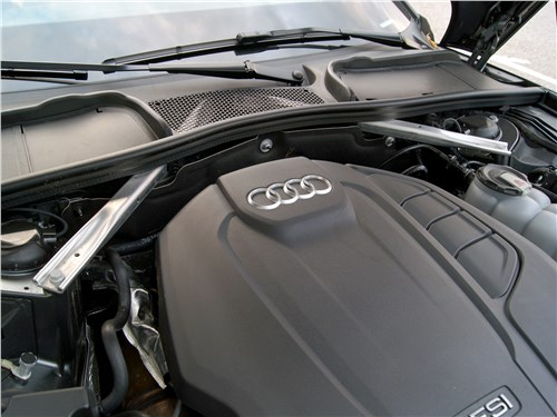 Audi A5 Sportback 2020 моторный отсек