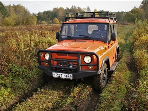 UAZ Hunter (2003) вид спереди