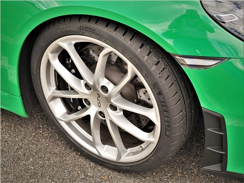 Предпросмотр porsche cayman gt4 (2020) переднее колесо