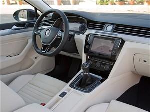 Volkswagen Passat 2015 интерьер