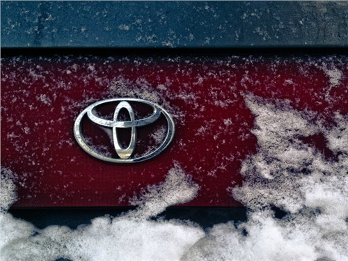 Продажи Toyota Group в России сократились почти на треть