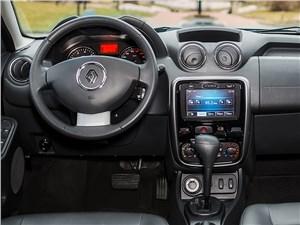 Renault Duster 2013 водительское место