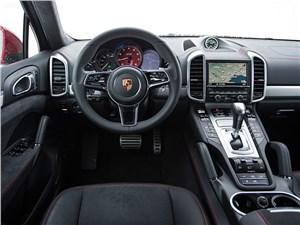 Porsche Cayenne GTS 2015 салон