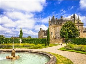 Считается, что замок Жюмильяк хранит множество тайн