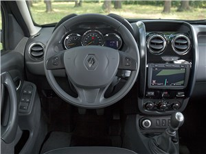 Renault Duster 2015 водительское место
