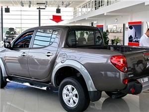 Новость про Mitsubishi - Продажи новых автомобилей Mitsubishi в России сократились вдвое