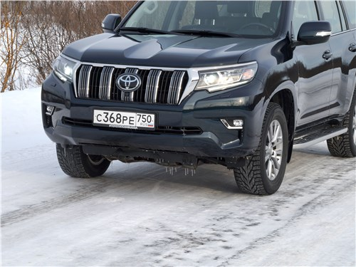 Toyota Land Cruiser Prado 2017 вид спереди