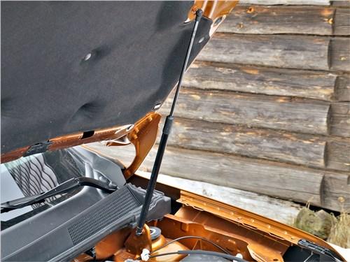 Предпросмотр renault duster (2021) капот