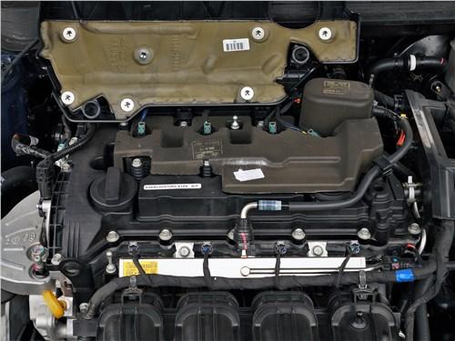Kia K5 2021 моторный отсек