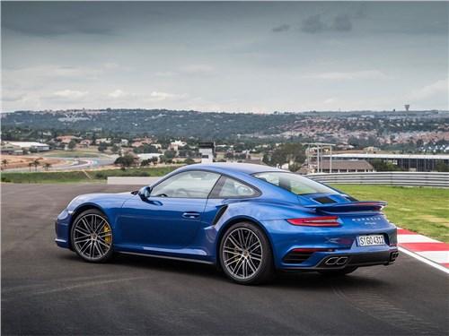 Предпросмотр porsche 911 turbo 2016 вид сбоку сзади