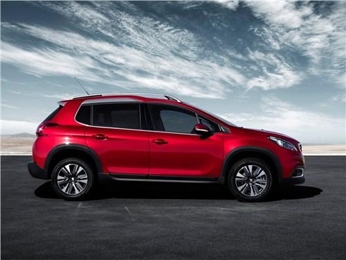 Peugeot 2008 2017 вид сбоку