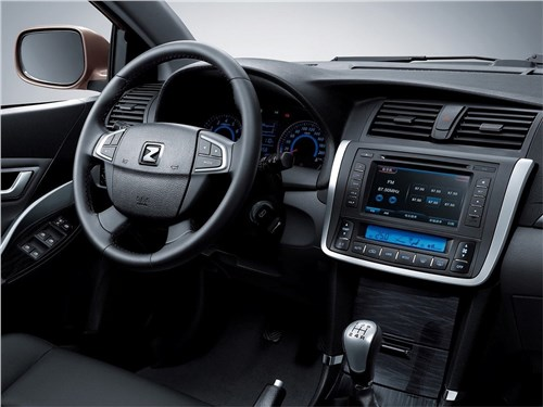 Zotye Z300 2015 водительское место