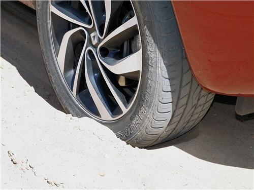Renault Koleos 2014 колесо