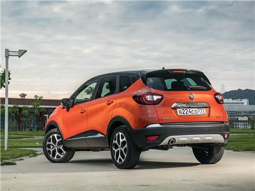 Renault Kaptur 2016 вид сзади