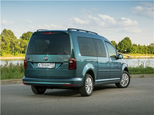 Volkswagen Caddy Maxi 2016 вид сзади