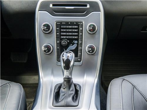 Volvo S80 центральная консоль