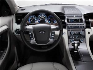 Крупные середняки (Chevrolet Alero (Oldsmobile Alero), Ford Taurus, Chrysler Sebring (Dodge Stratus)) Taurus -