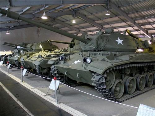 Американских танков не много. Зато можно увидеть довольно редкие Chaffi и Bulldog